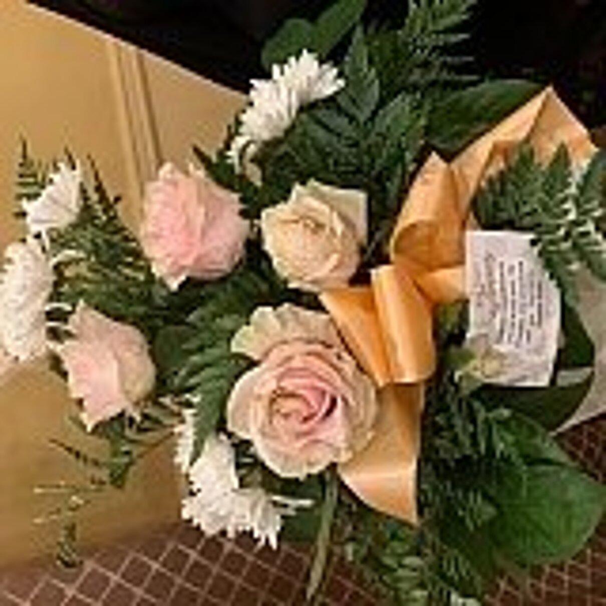 Complaint-review: 24sendflowers.com - Flowers not fresh. Photo #3